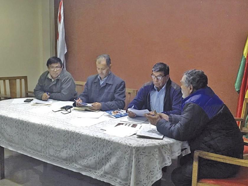 Anoche se cumplió con la reunión semanal de la ACHF, en la que se resolvió postergar una semana el inicio del torneo de