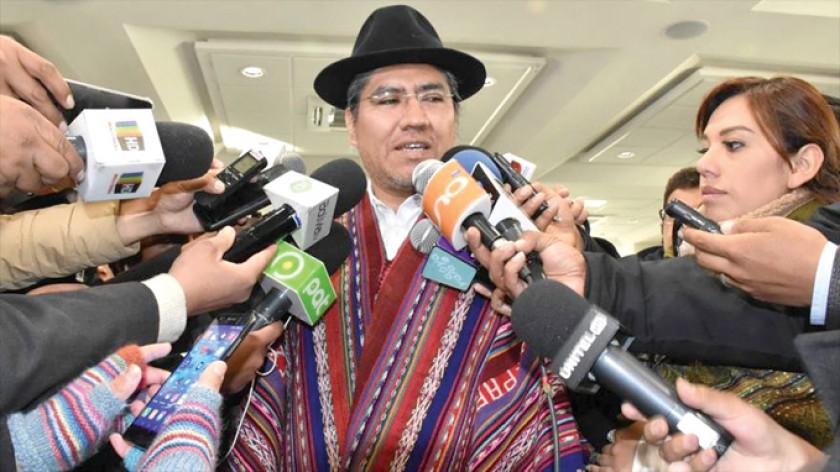 AUTORIDAD. El canciller Diego Pary brinda declaraciones en la Sede de Gobierno.
