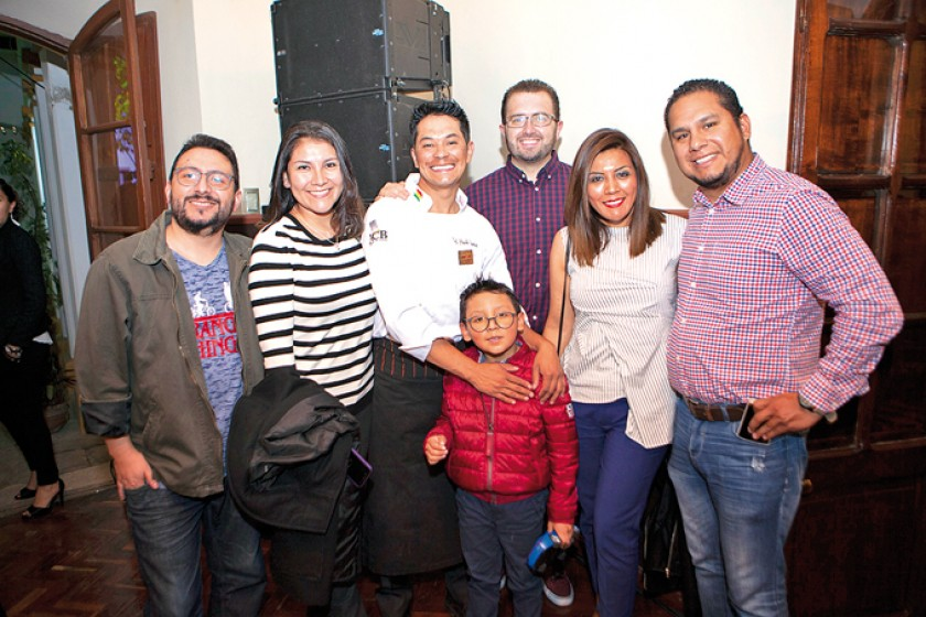 Andrés Salazar, Brenda Navarro, Paolo Dávalos, Manuel Navarro, Nicolás Villegas,  Karla Córdova y Renán Villegas.