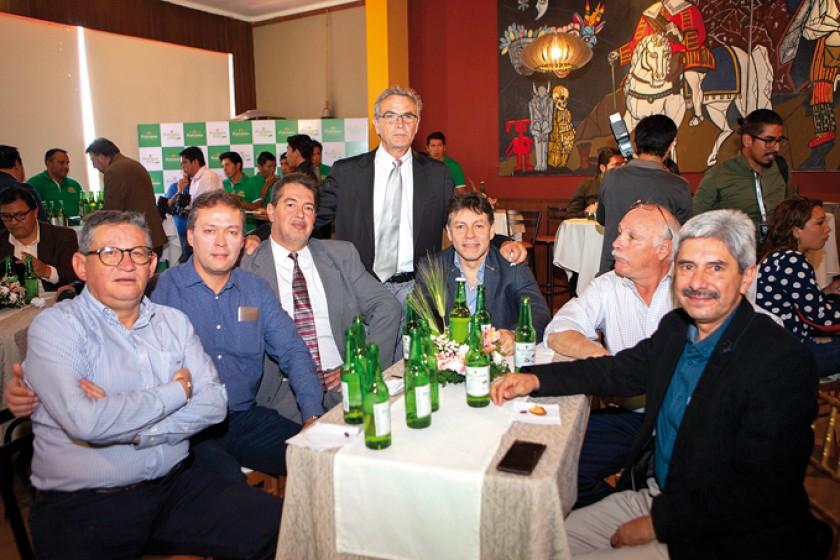 Edgar Ruck,  Julio Auza, Mariano Méndez Roca, Ramiro Samso, Gastón Solares, Carlos Llobet  y Luis Pórcel.