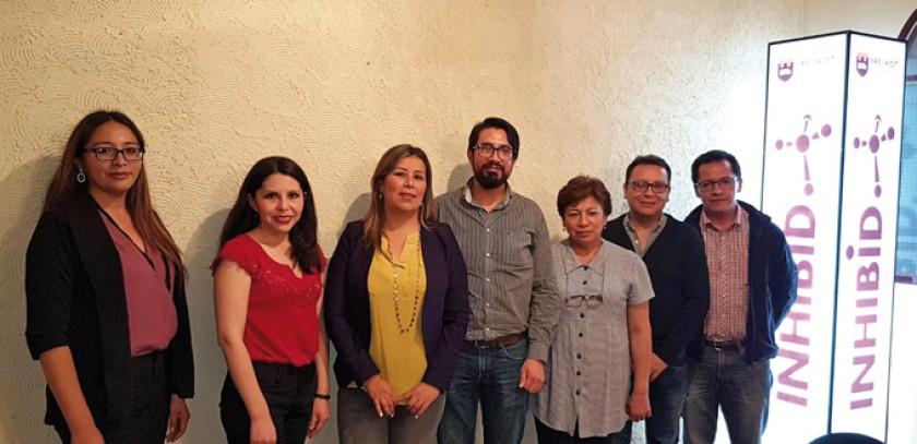 El nuevo directorio posesionado: Yessi Choque, Litzi Gómez (vocales), Dariana Bazán (presidente),  Javier Montecinos (se