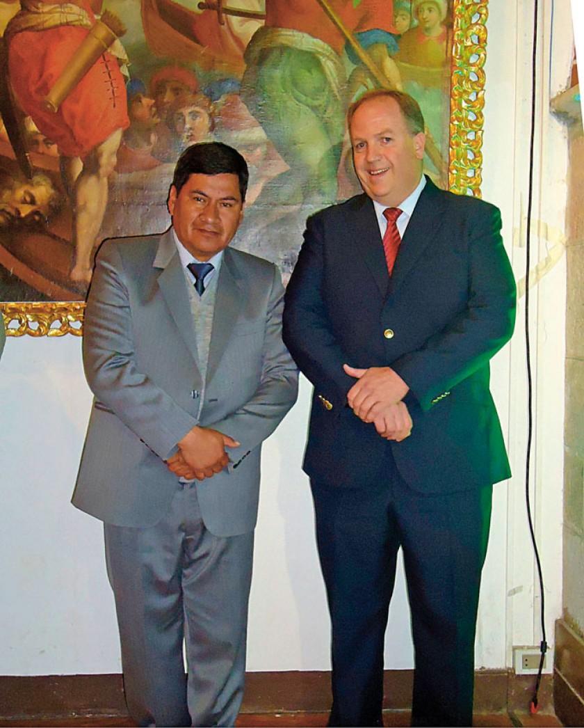 Juan Carlos Cejas Ugarte, gobernador de Potosí, y Carlos Wille, gerente general de Cervecería Nacional Potosí