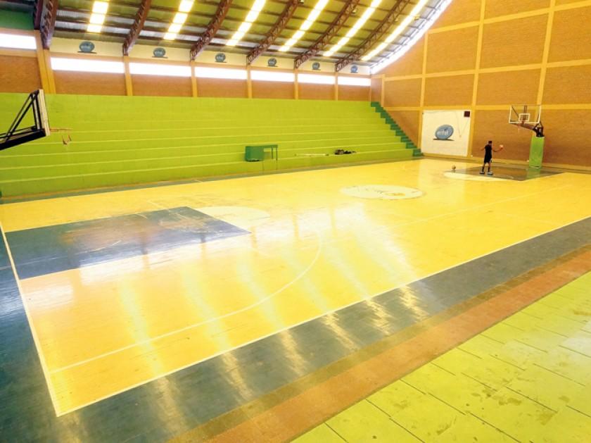 El Tito Álfred es el único escenario techado para la práctica del básquet.