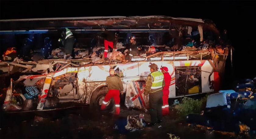 DOLOR. El bus de la empresa Inca partió la tarde del domingo de Villazón con destino a la ciudad de La Paz y protagonizó