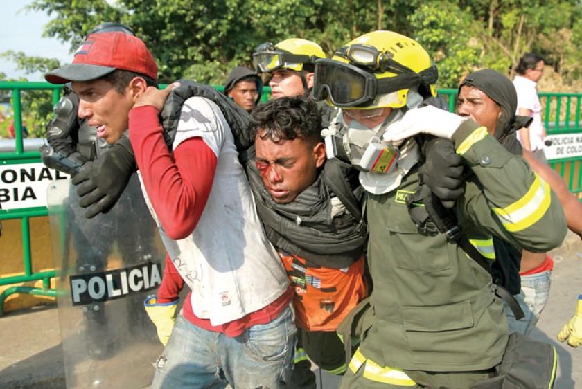 DISTURBIOS. Ayer se volvieron a reeditar enfrentamientos entre civiles y la Guardia Bolivariana, en la frontera de Venez