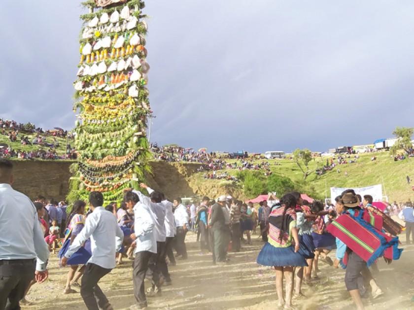 TRADICIÓN. La Pucara es una de las características del Carnaval rural en Sucre.