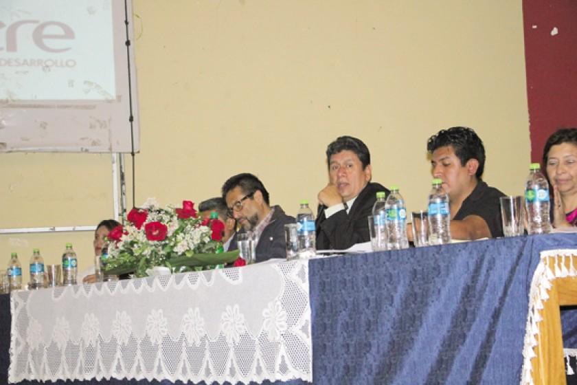 INFORME. El Alcalde presta su informe de gestión en la Villa Bolivariana, a donde acudieron funcionarios, entre otros