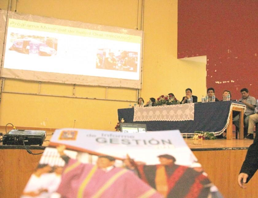 Alcalde rinde cuentas y promete una gestión con ejecución récord