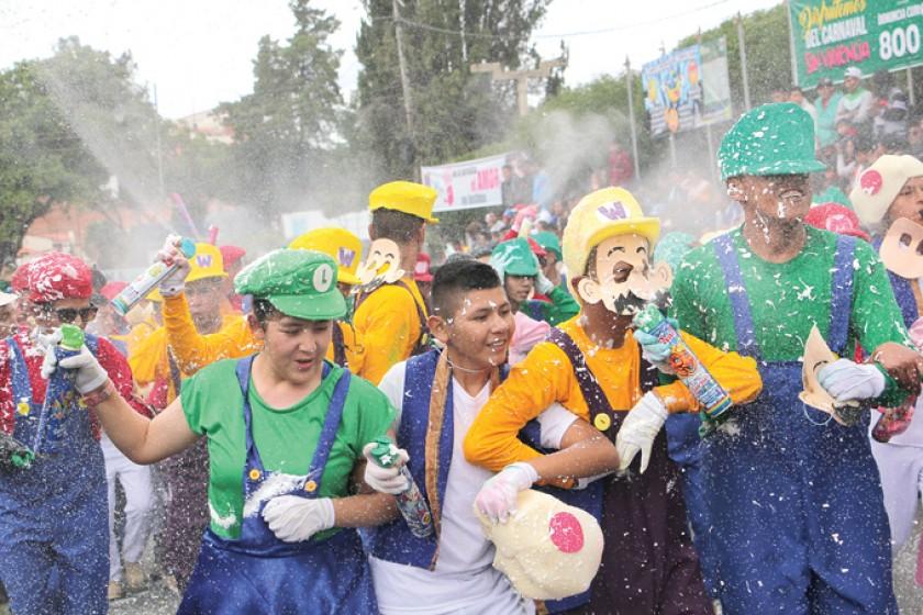 ENTRADA. El disfraz de Super Mario Bros atrajo a los espectadores.