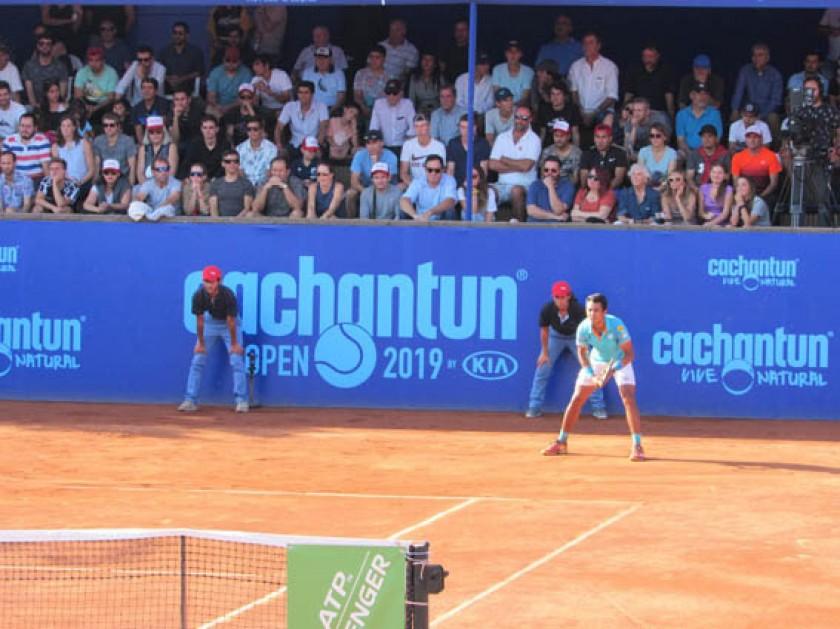 El tenista boliviano durante el partido disputado ayer, en Santiago de Chile.
