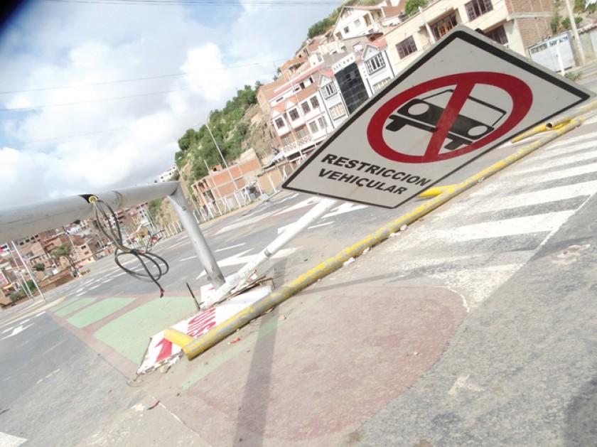 DESMANTELADA. La señalética vertical y horizontal del Parque de Educación Vial fue dañada completamente.