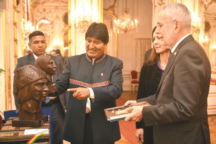 AUSTRIA. Evo Morales durante su encuentro con el presidente Alexander Van der Bellen.