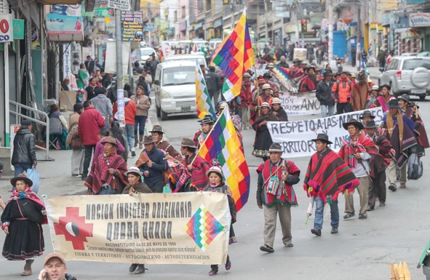 Los Qhara Qhara llegan a La Paz y se declaran en vigilia