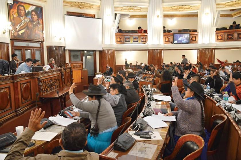 Diputados da luz verde a ley que regula economía de las iglesias