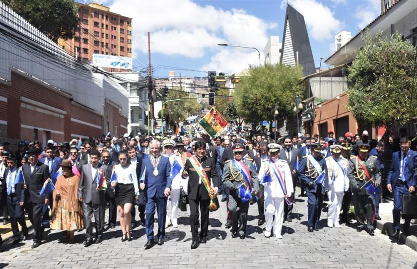 Evo convoca al diálogo y Chile pide acatar el fallo de la CIJ