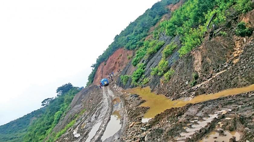 Las lluvias cierran los caminos