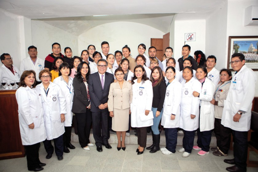 Personal de Laboratorio del hospital Santa Bárbara.