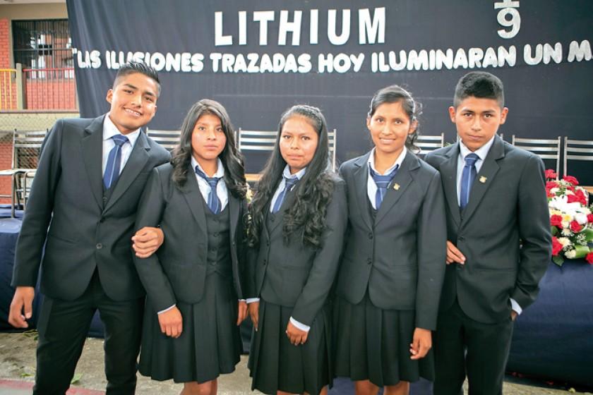 William Yupari, Alicia Siquita, Miriam Saigua, Fabiola Pacheco y David Flores.