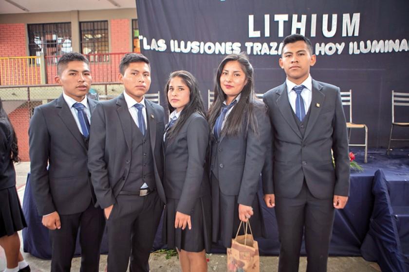 John Coria, Miguel Mamani, Eliz Durán, Viki Vigabriel y Diego Menchaca.