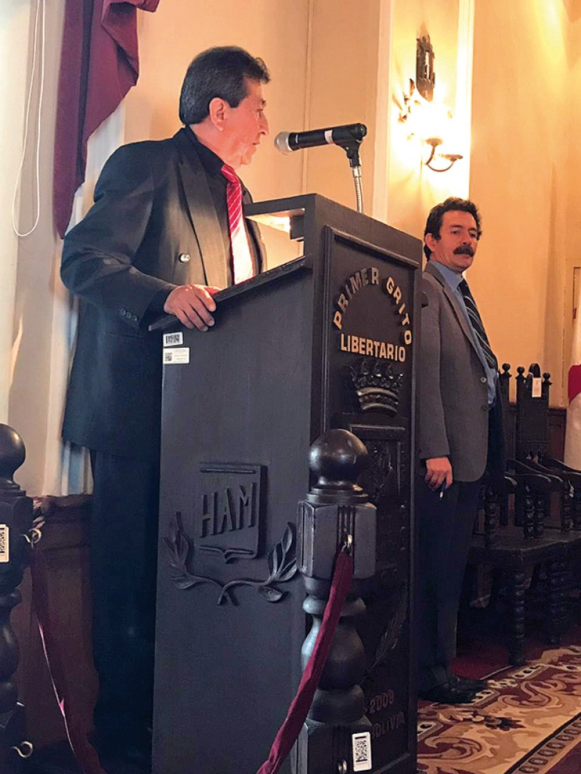 El director del grupo, Juan Carlos Bazán,  brindó palabras de agradecimiento.