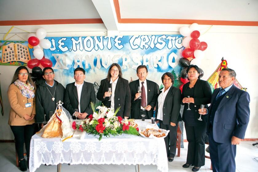 Melany romero, Hermano Ronald, Pedro Daza, Rabea Lang, Jorge Patiño, Gloria Loredo, Soledad Torrico y Félix Valdez.