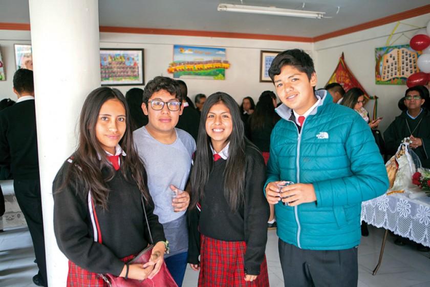 Yoselin Herbas, Samuel Espada, Janina Julián y Denis Ibáñez.
