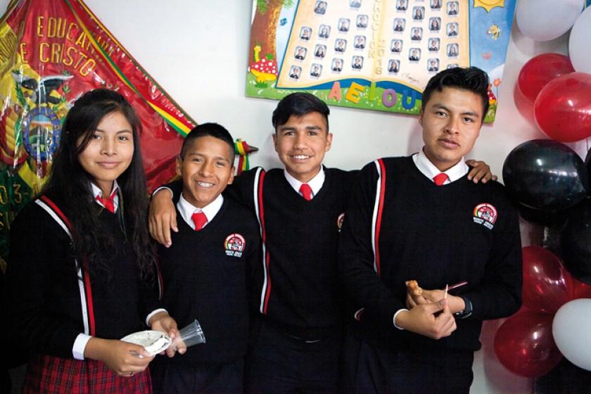 Araceli Villalta, Cristian Rodríguez, Elías Oliva y Jhamil Kanchi.