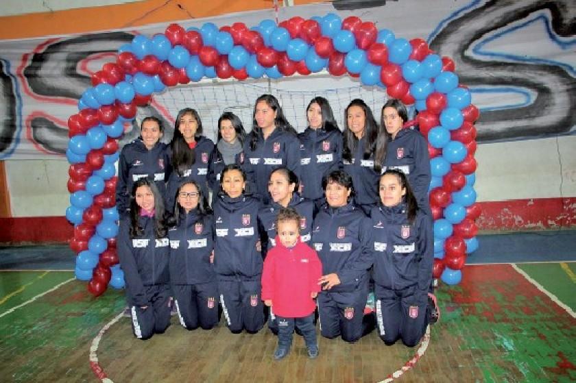 El plantel femenino de voleibol buscará este año su ascenso a la Liga.