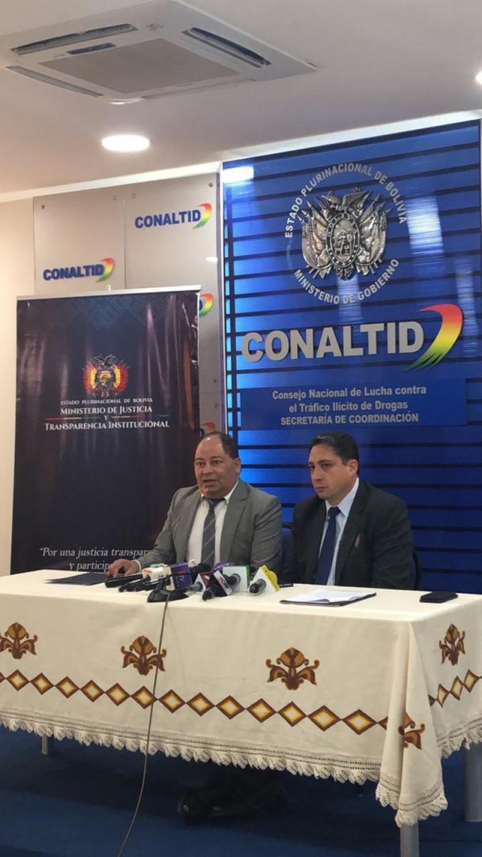 OPERATIVOS. Los ministros de Gobierno, Carlos Romero, y de Justicia, Héctor Arce.