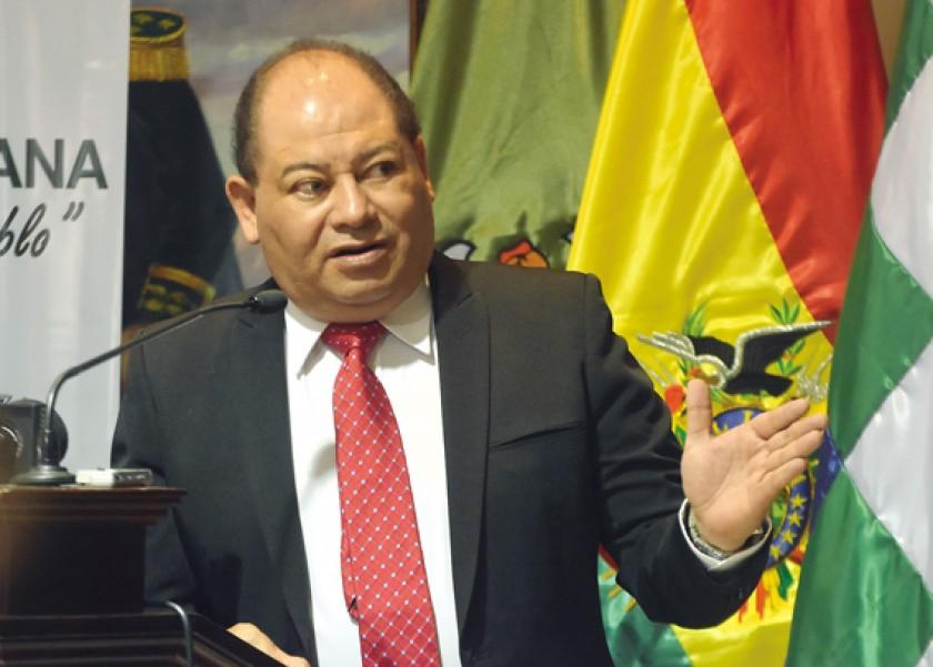 INFORME. El ministro de Gobierno, Carlos Romero, en conferencia de prensa en Santa Cruz.