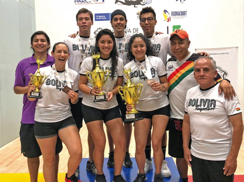 Bolivia también subió al podio en dobles damas