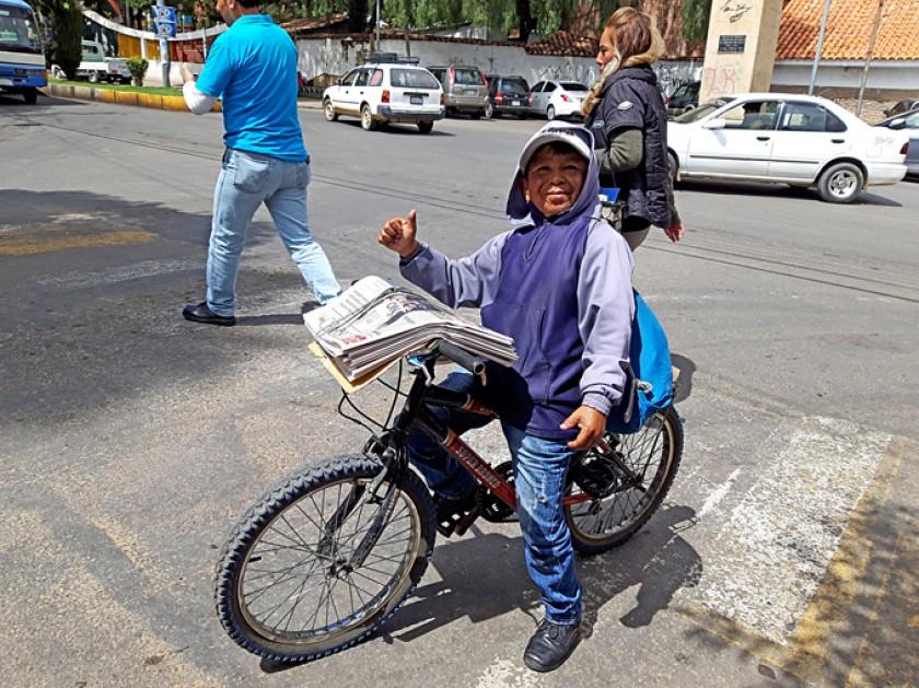 Simón, canillita por 32 años