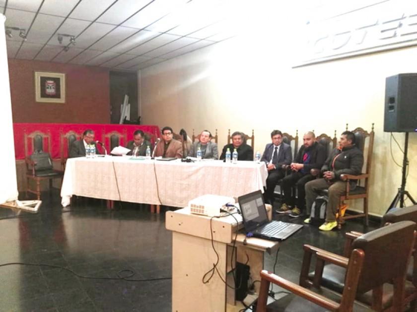 INFORME. La asamblea de la Cooperativa de Telecomunicaciones Sucre (COTES) desarrollada anoche.