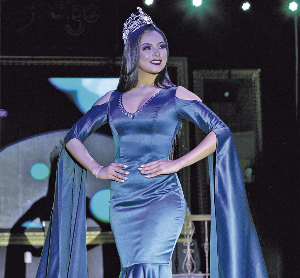 REINA. Elena Romero, Miss Chuquisaca 2018, cedió su corona y su título.