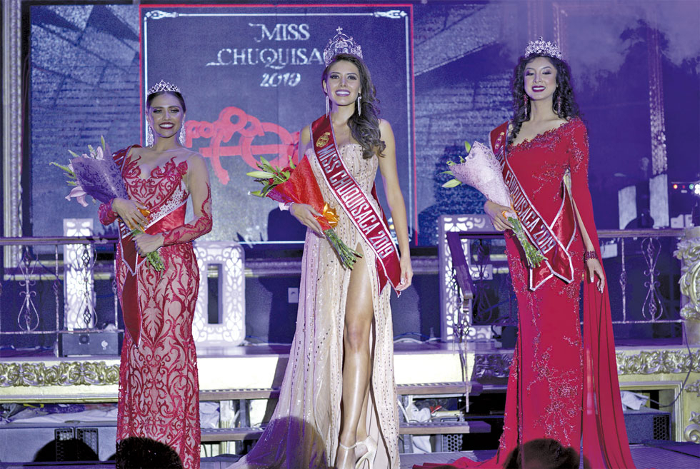 CONCURSO. Miss Capital, Karina Cerezo; Miss Chuquisaca, Valentina Pérez; y Señorita Chuquisaca, Ana María Pereira, las nuevas soberanas.