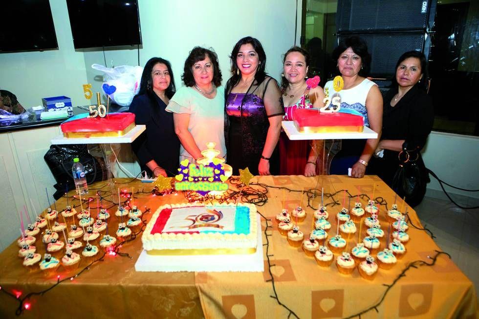 La comisión organizadora del festejo.