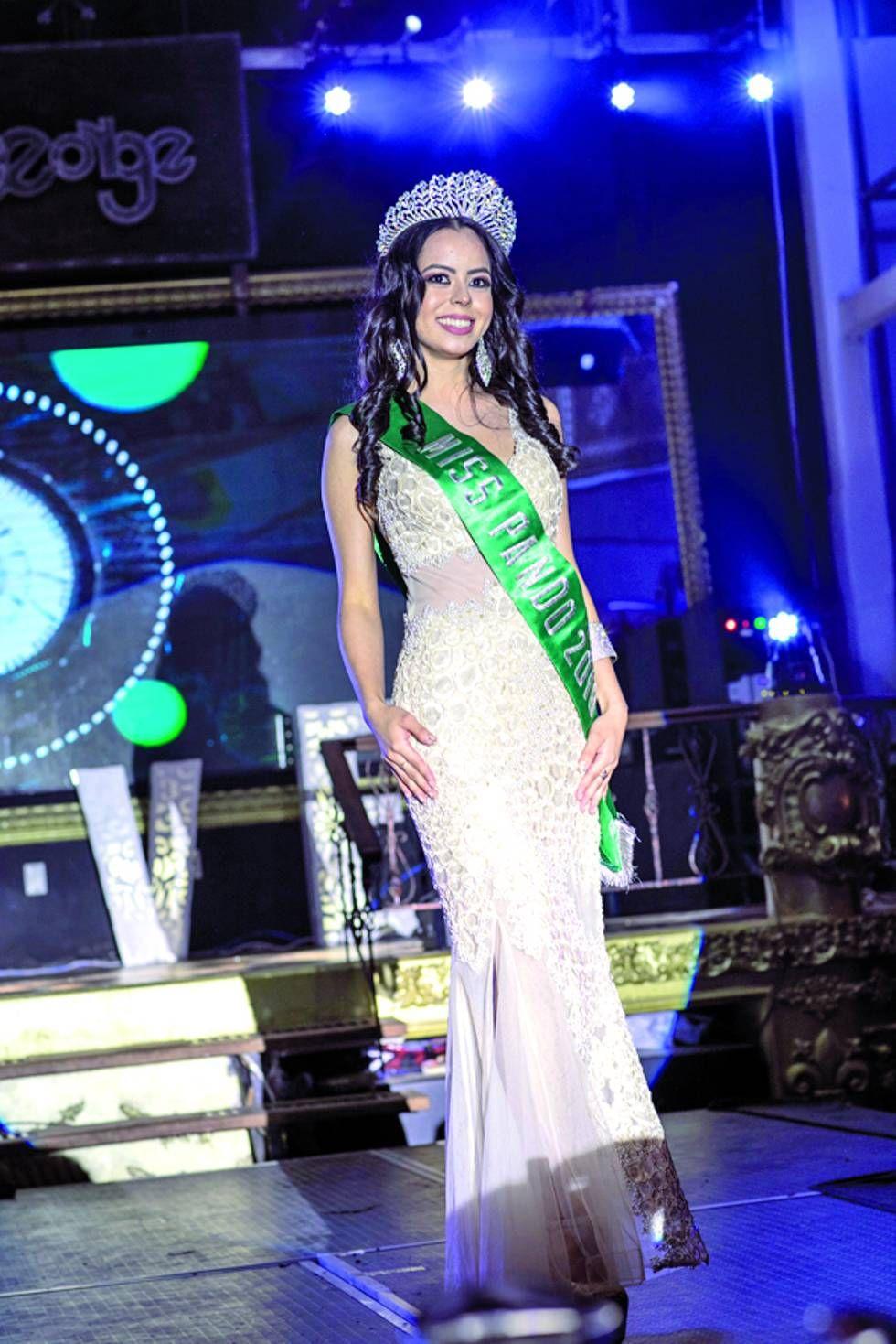 Liz Shimokawa, Miss Pando 2018, formó parte del jurado.