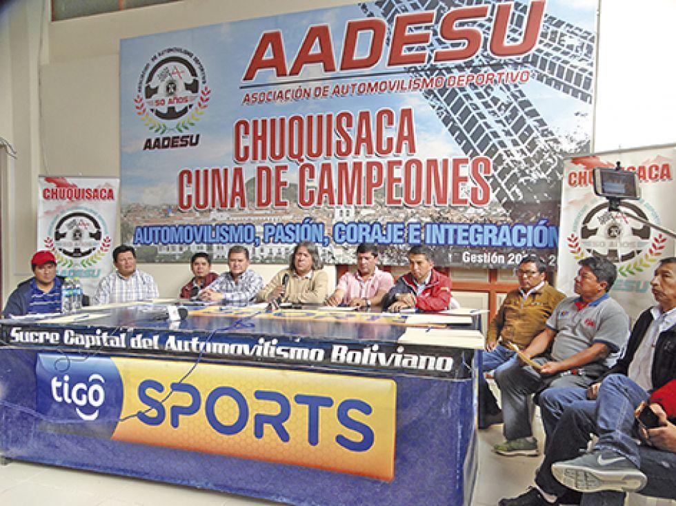 Ayer se brindó una conferencia de prensa en las oficinas de AADESU, después de que no se pudiera instalar el congreso extraordinario por falta de quórum.