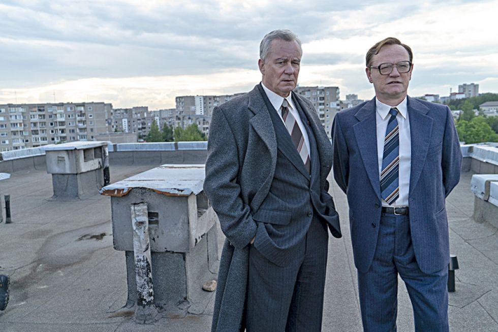 """Imagen de dos actores de la serie """"Chernobyl"""" de HBO. Foto cedida por HBO"""