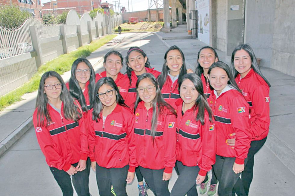 Ayer fueron presentadas las selecciones chuquisaqueñas que participarán de la Copa Plurinacional.