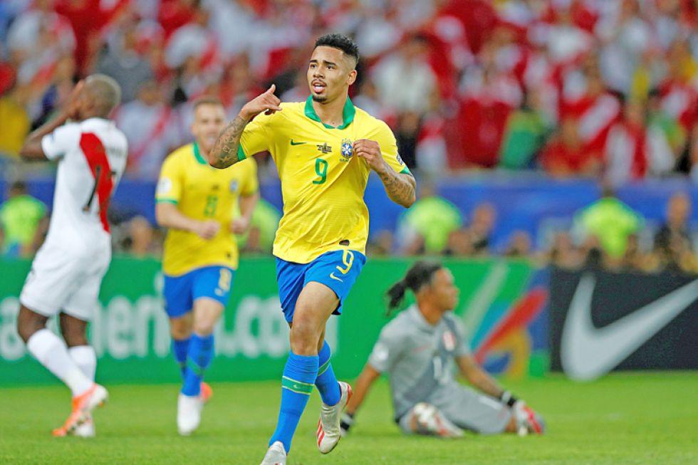 El delantero Gabriel Jesús celebra el segundo gol durante la final.