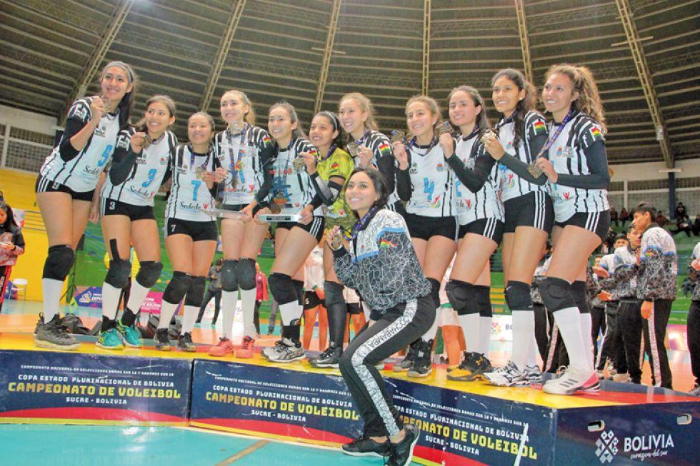 La selección de Cochabamba se alzó con el trofeo en la rama femenina