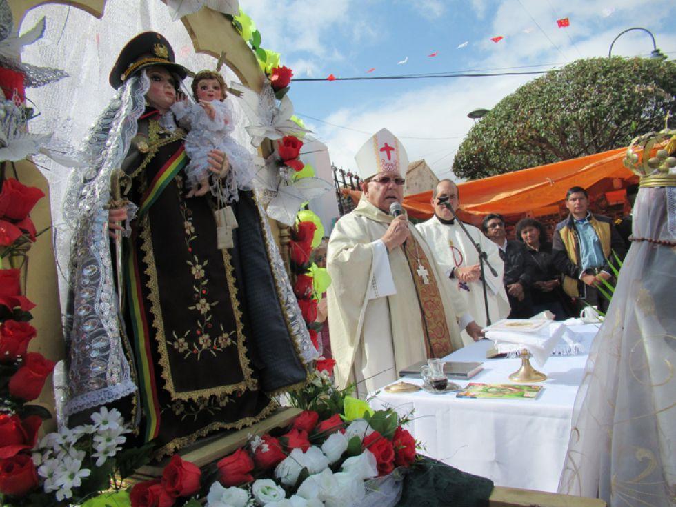 APERTURA. Imagen de la Virgen del Carmen durante la eucaristía