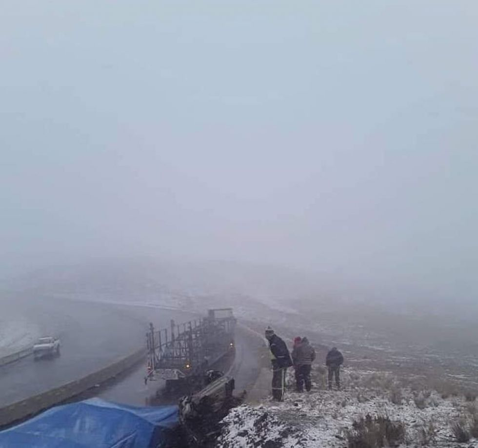 La triple colisión registrada en la carretera Oruro-Cochabamba.