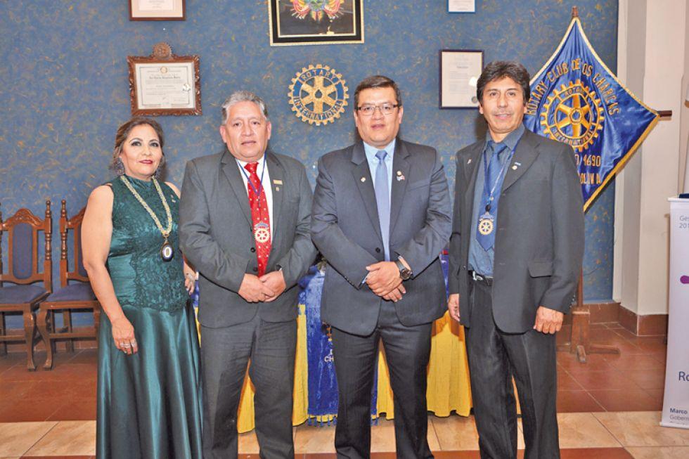 Patricia Marañon (presidente entrante Rotary Club de los Charcas), Eduardo Diez Canseco, Boris Olguín y Gustavo Argandoña (Presidente entrante Rotary Club La Plata).