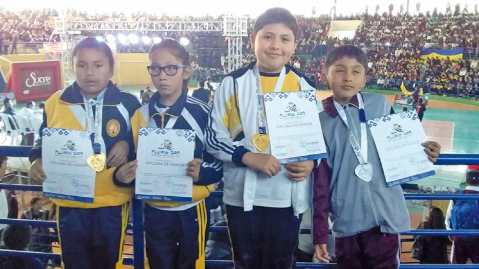 Luz Vera, Jhoselin Gonzáles, Agustín Mercado, Alexander Guerra