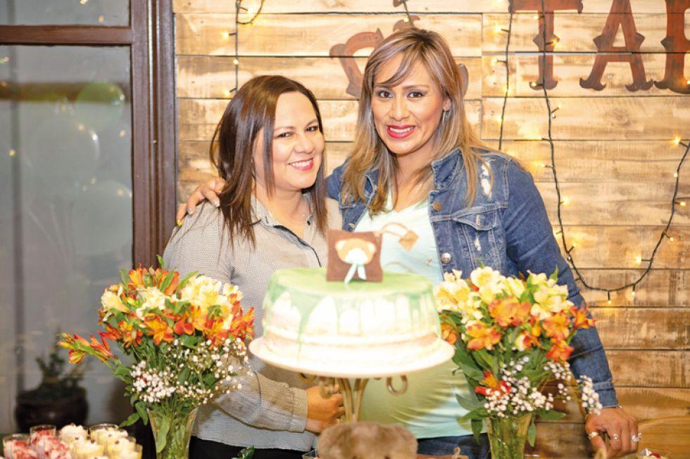 Coradina Toro y Nelsy Olivera.