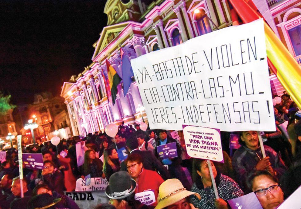 Marchas en el país exigen parar ola de feminicidios