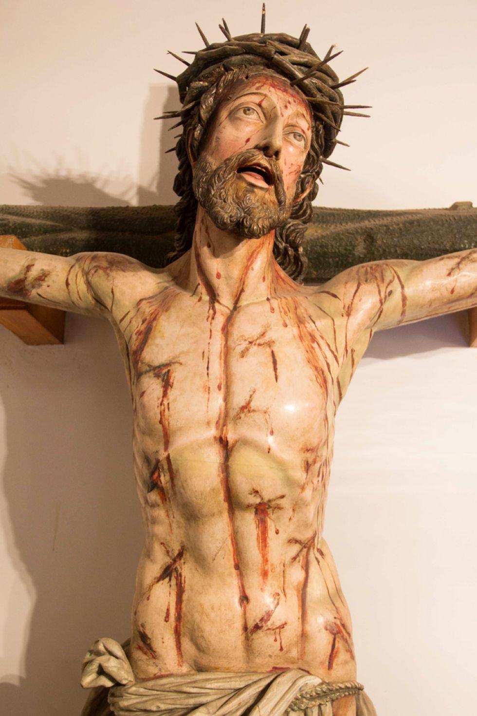 Rostro y torso del Cristo de Burgos