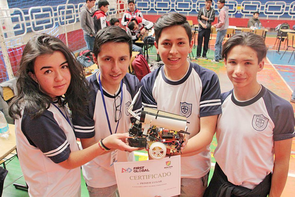 Robot de equipo paceño  irá al mundial de Dubái